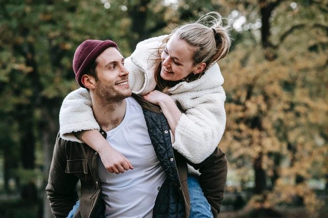 girl and guy in love